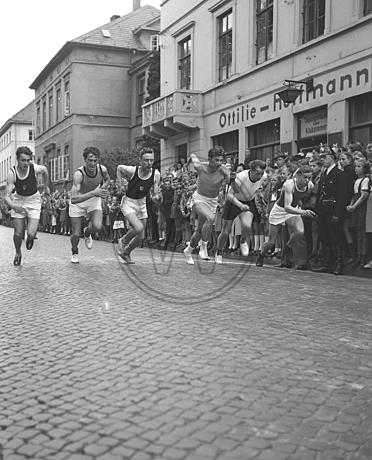 Läufer beim Wall-Lauf 1953
